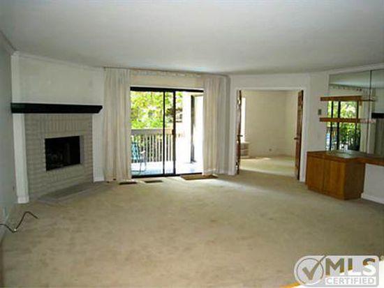 8860 Villa La Jolla Dr UNIT 203, La Jolla, CA 92037