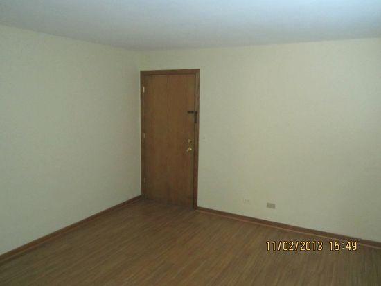 573 Pershing Ave APT B, Glen Ellyn, IL 60137