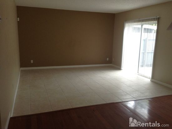 1000 S Semoran Blvd APT 803, Winter Park, FL 32792