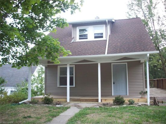 3090 Forest Park Blvd, Akron, OH 44312
