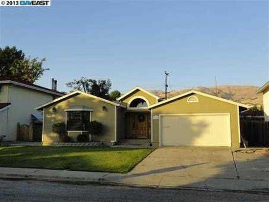 48286 Sawleaf St, Fremont, CA 94539