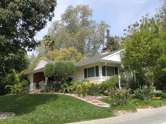 681 Gatewood Ln, Sierra Madre, CA 91024