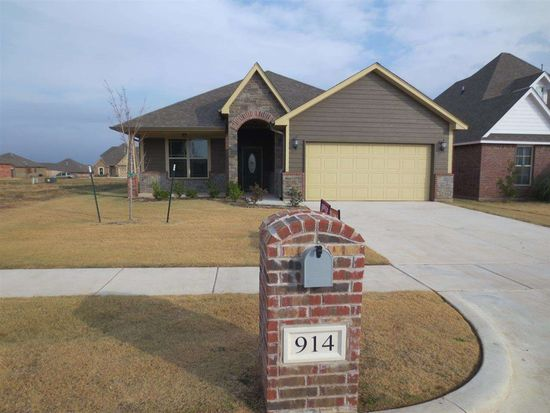 914 SW 80th St, Lawton, OK 73505