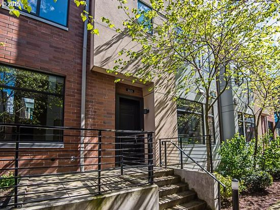 1614 NW Riverscape St, Portland, OR 97209
