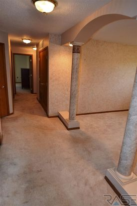 4214 S Minnesota Ave, Sioux Falls, SD 57105