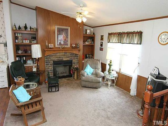 121 Holly Branch Ln, Kenly, NC 27542