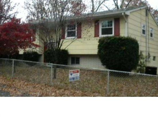 12 Leland St, Browns Mills, NJ 08015