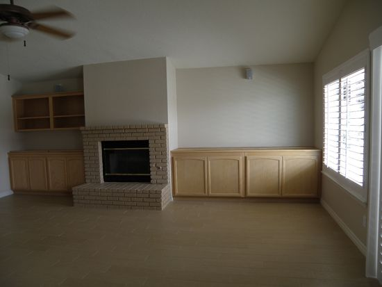 13705 Spring Valley Pkwy, Victorville, CA 92395