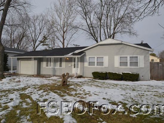 1623 Parkway Dr, Bettendorf, IA 52722