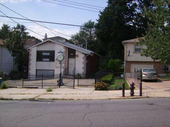 895 Hylan Blvd, Staten Island, NY 10305