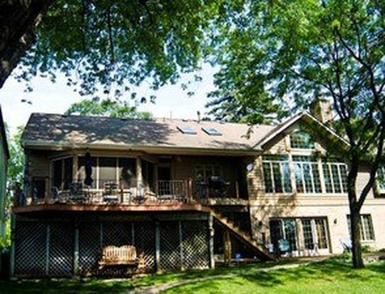 3903 E Lake Shore Dr, Wonder Lake, IL 60097