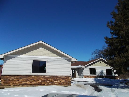 10702 Shelley Ct, Bull Valley, IL 60098