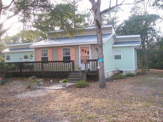 207 NE 72nd St, Oak Island, NC 28465