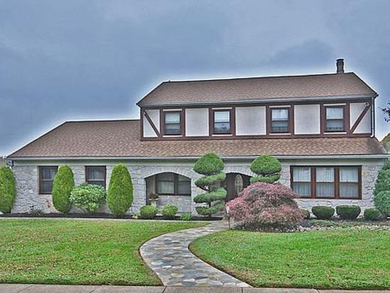 37 Summer Pl, Huntingdon Valley, PA 19006