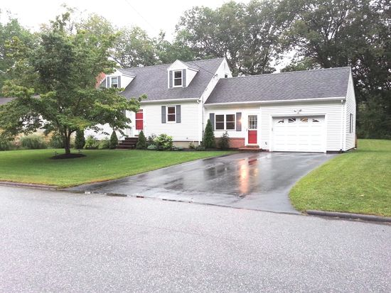 41 Lawrence St, Wilmington, MA 01887