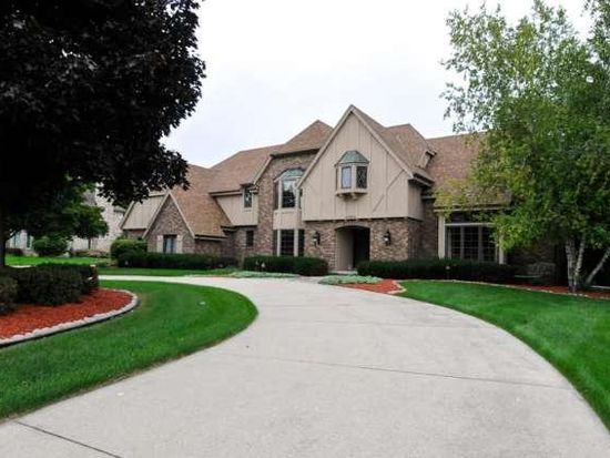6333 Parkview Rd, Greendale, WI 53129