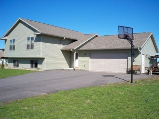 1405 Nicklaus Dr, Merrill, WI 54452