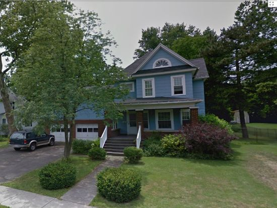 1026 N Military Rd, Niagara Falls, NY 14304