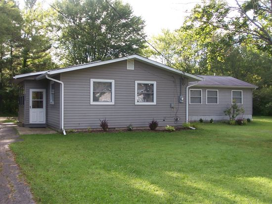2477 Trellis Pl, Roaming Shores, OH 44084