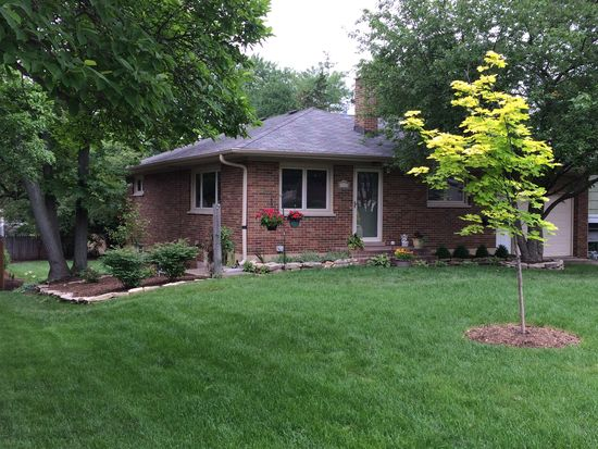 4528 Sterling Rd, Downers Grove, IL 60515