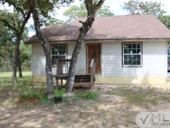 235 Hickory Hill Dr, La Vernia, TX 78121