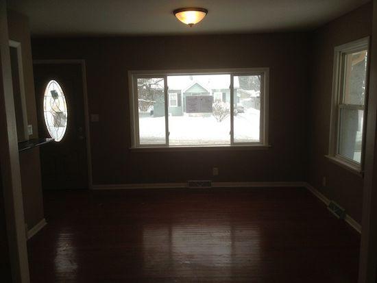 678 Wood St, Aurora, IL 60505