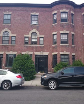 529 Newbury St APT 4, Boston, MA 02215