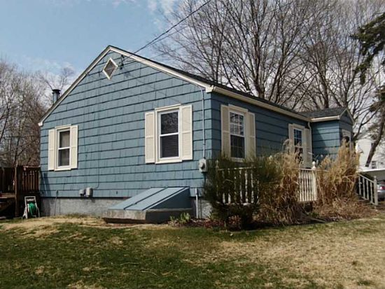 199 Grove Ave, Somerset, MA 02726