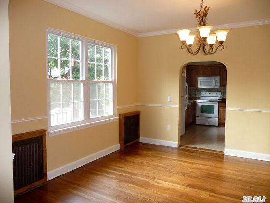 231 Manorhaven Blvd, Port Washington, NY 11050