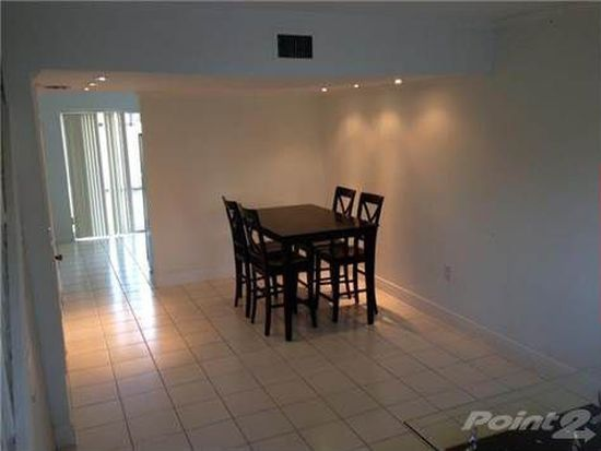 8250 NW 5th Ter APT 364, Miami, FL 33126