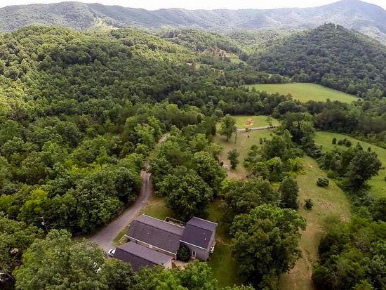 515 Wilderness Ln, Troutville, VA 24175