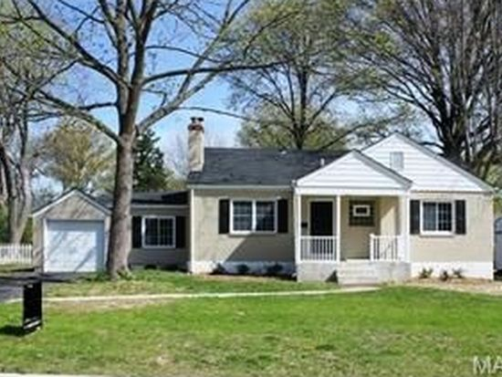 515 Cannonbury Dr, Webster Groves, MO 63119