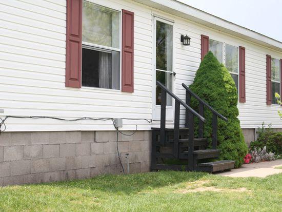 6284 Bayview Sta, Newfane, NY 14108