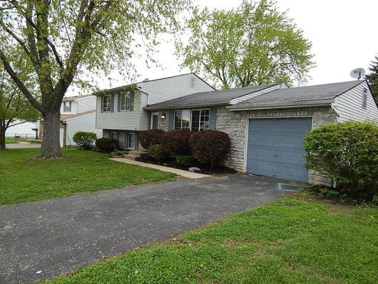 2442 Red Rock Blvd, Grove City, OH 43123