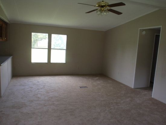 302 Beauvue Rd, Elm City, NC 27822