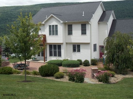 513 Clearview Dr, Hollidaysburg, PA 16648
