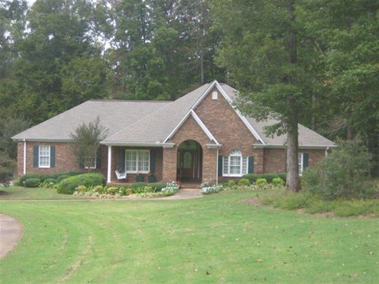 139 Lake Park Dr, Spartanburg, SC 29301