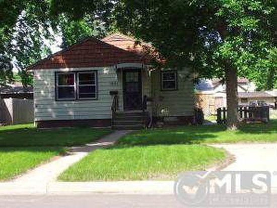 1621 Illinois Ave SW, Huron, SD 57350