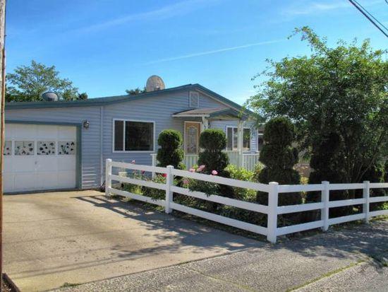 202 Peterson Ave, Sitka, AK 99835