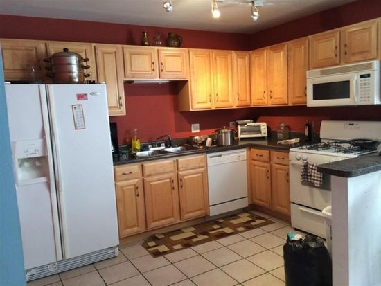 1941 W Touhy Ave APT 2B, Chicago, IL 60626