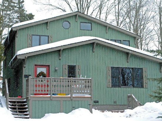 44 Oneida Ave, Lake Placid, NY 12946
