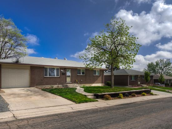 3157 W Edgemore Dr, Englewood, CO 80110