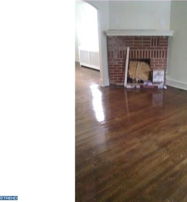 136 Whitely Ter, Darby, PA 19023