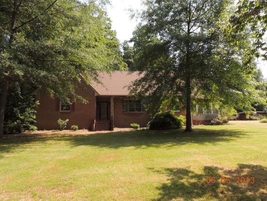 201 Woodland Pl, Farmville, VA 23901