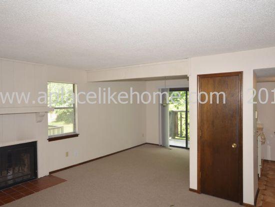 3135 Eaton St, Kansas City, KS 66103