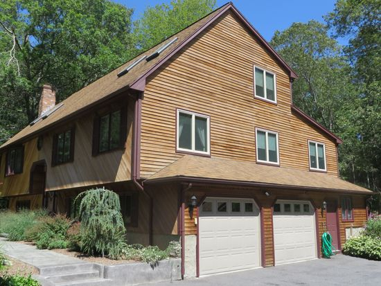 45 Freetown St, Lakeville, MA 02347