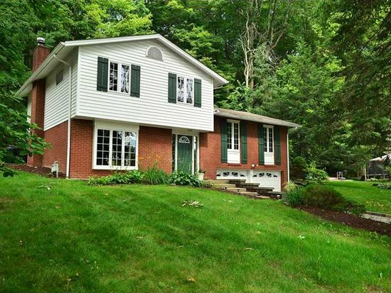 626 Westland Dr, Gibsonia, PA 15044