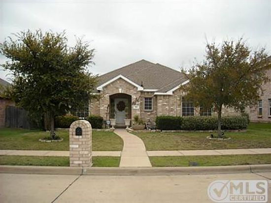 105 Clover Leaf Ln, Red Oak, TX 75154