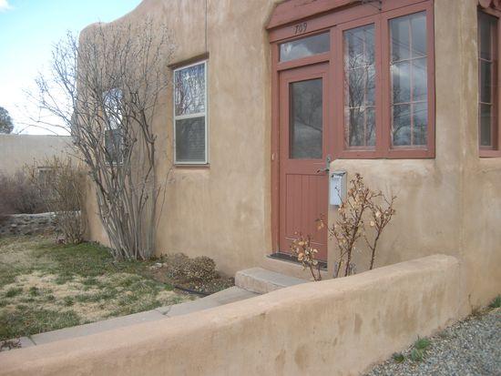 709 Gildersleeve St, Santa Fe, NM 87505