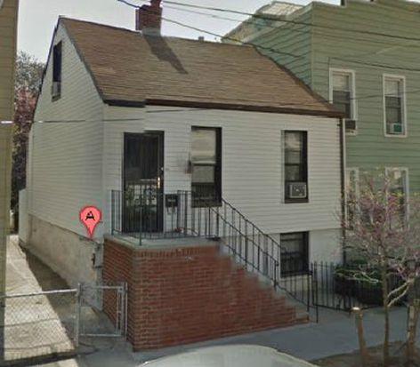 3831 28th St, Long Island City, NY 11101